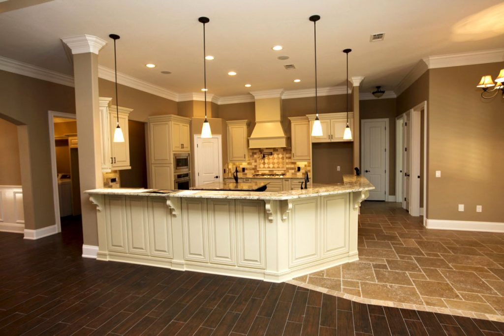 g-shaped kitchen